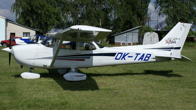 OK-TAB - Cessna 172S Skyhawk SP - Private