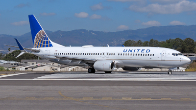 N87507 - Boeing 737-824 - United Airlines