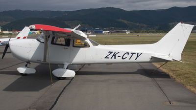 ZK-CTY - Cessna 172S Skyhawk SP - L3 Airline Academy