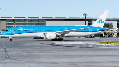 A picture of PHBHL - Boeing 7879 Dreamliner - KLM - © Shae Bilan