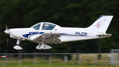 PH-ZZR - Alpi Pioneer 300 Kite - Private