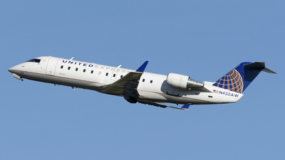 N432AW - Bombardier CRJ-200LR - United Express (Air Wisconsin)