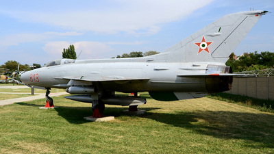813 - Mikoyan-Gurevich MiG-21F-13 Fishbed C - Hungary - Air Force
