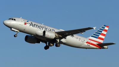N112US - Airbus A320-214 - American Airlines