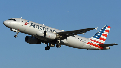 A picture of N112US - Airbus A320214 - American Airlines - © DJ Reed - OPShots Photo Team