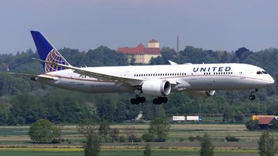 N17963 - Boeing 787-9 Dreamliner - United Airlines