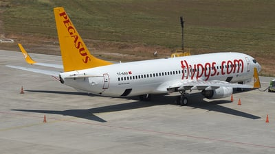 A picture of TCAAU - Boeing 73782R - Pegasus Airlines - © Arda Ozenc Erdem