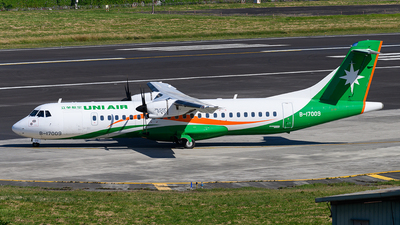 A picture of B17009 - ATR 72600 - UNI Air - © Andrew Hunt