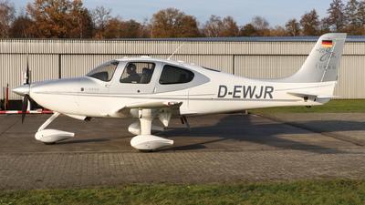 D-EWJR  - Cirrus SR22-GTS - Private