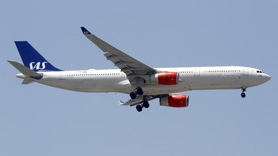 A picture of LNRKS - Airbus A330343 - SAS - © wangpaul