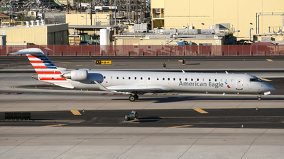 A picture of N242LR - Mitsubishi CRJ900ER - American Airlines - © DJ Reed - OPShots Photo Team