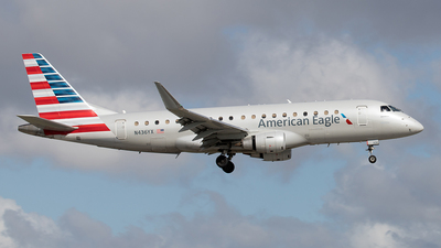A picture of N436YX - Embraer E175LR - American Airlines - © Yixin Chen