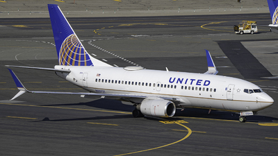 A picture of N23721 - Boeing 737724 - United Airlines - © Tyler Lorenz