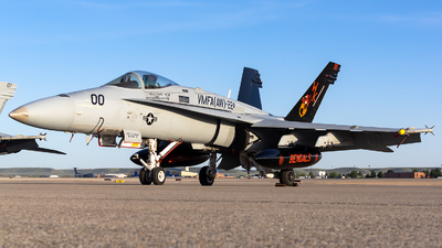 164950 - McDonnell Douglas F/A-18C Hornet - United States - US Marine Corps (USMC)