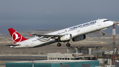 A picture of TCJRC - Airbus A321231 - Turkish Airlines - © Ömür Sadikoglu