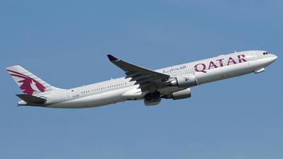 A picture of A7AEE - Airbus A330302 - Qatar Airways - © toeychincha