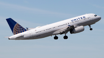 A picture of N477UA - Airbus A320232 - United Airlines - © Azillion 737