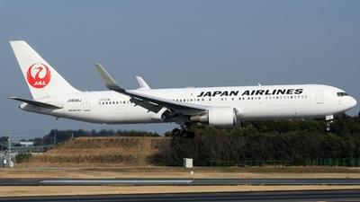 A picture of JA608J - Boeing 767346(ER) - Japan Airlines - © Miroslav Musil