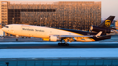 A picture of N280UP - McDonnell Douglas MD11F - UPS Airlines - © Steve Rinde