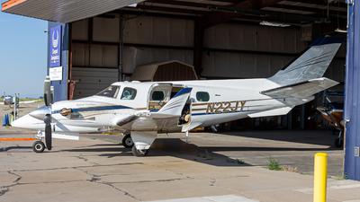 A picture of N22JY - Beech B60 Duke - [P569] - © ColumbusPlaneSpotter