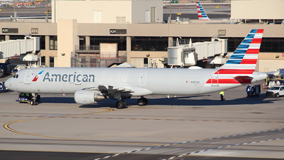 A picture of N187US - Airbus A321211 - American Airlines - © Alexander Aston