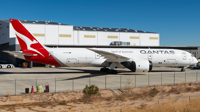 A picture of VHZNM - Boeing 7879 Dreamliner - Qantas - © bill wang