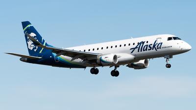 A picture of N642QX - Embraer E175LR - Alaska Airlines - © Nick Sheeder