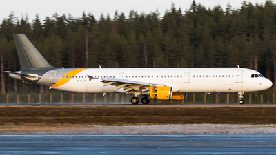 YL-LCX - Airbus A321-211 - SmartLynx Airlines