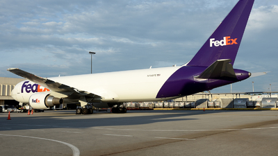 N156FE - Boeing 767-32SF(ER) - FedEx