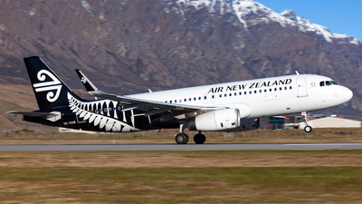 A picture of ZKOXM - Airbus A320232 - Air New Zealand - © Dominic Oakes