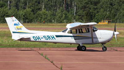 OH-SRH - Cessna 172S Skyhawk SP - Malmin Ilmailukerho