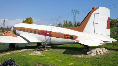 N242AG - Douglas DC-3 - Private