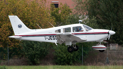 I-JESD - Piper PA-28-181 Archer II - Private