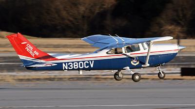 A picture of N380CV - Cessna 182T Skylane - Civil Air Patrol - © Kevin Porter