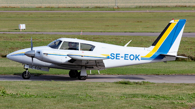 SE-EOK - Piper PA-30-160 Twin Comanche - Private