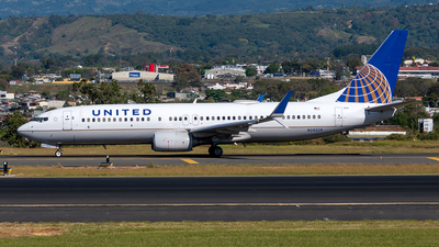 A picture of N24224 - Boeing 737824 - United Airlines - © Cristian Quijano