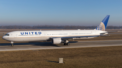 N67052 - Boeing 767-424(ER) - United Airlines (Continental Airlines)