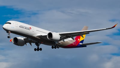 A picture of HL8360 - Airbus A350941 - Asiana Airlines - © YunHyeokChoi