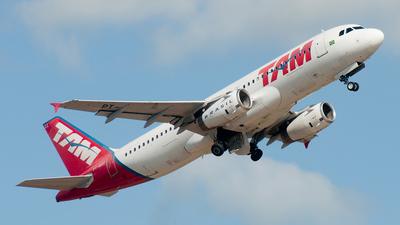 PT-MZZ - Airbus A320-232 - TAM Linhas Aéreas