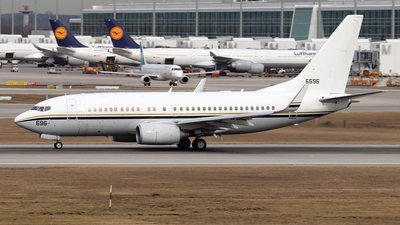 166696 - Boeing C-40A Clipper - United States - US Navy (USN)