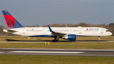 N718TW - Boeing 757-231 - Delta Air Lines