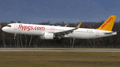A picture of TCRBA - Airbus A321251NX - Pegasus Airlines - © Urs RYSER � Alpes^^Air^^Pic
