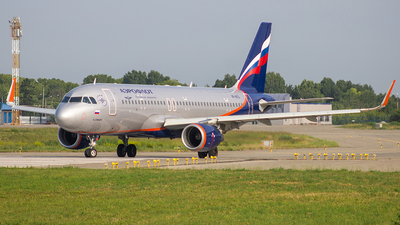 VP-BTO - Airbus A320-214 - Aeroflot