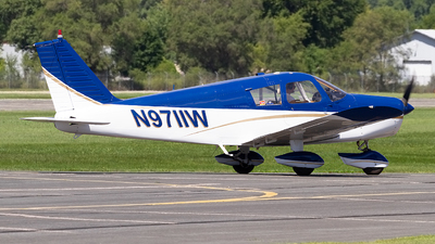 N9711W - Piper PA-28-140 Cherokee - Private