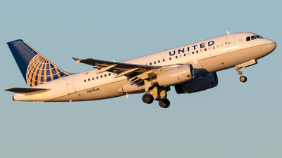 N812UA - Airbus A319-131 - United Airlines