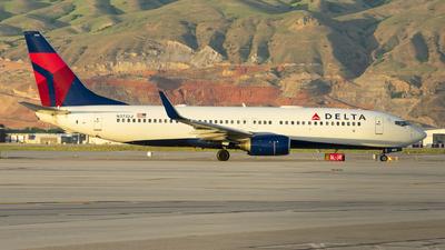 N3732J - Boeing 737-832 - Delta Air Lines