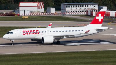 A picture of HBJCE - Airbus A220300 - Swiss - © Melanie Niedermeier