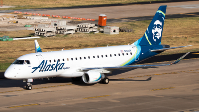 A picture of N194SY - Embraer E175LR - Alaska Airlines - © Dayon Wong