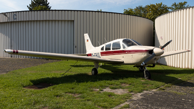 D-EHUL - Piper PA-28-181 Archer II - Private