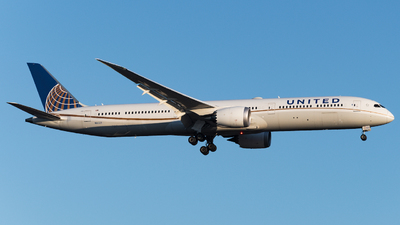 A picture of N16009 - Boeing 78710 Dreamliner - United Airlines - © JuliaEK